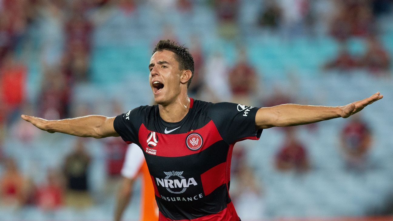 Chris Ikonomidis in action for Western Sydney Wanderers.
