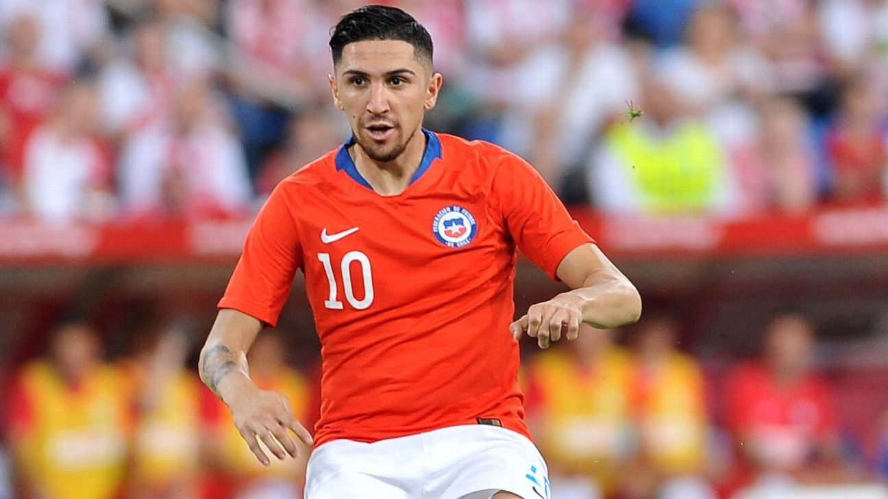 Diego Valdes made his senior international debut for Chile against the United States in 2015