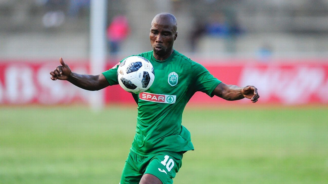 Siyabonga Nomvethe playing in the PSL for AmaZulu FC
