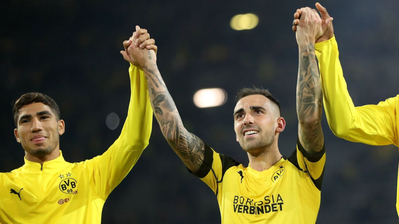 Paco Alcacer celebrates after Borussia Dortmund's Bundesliga win over Eintracht Frankfurt.