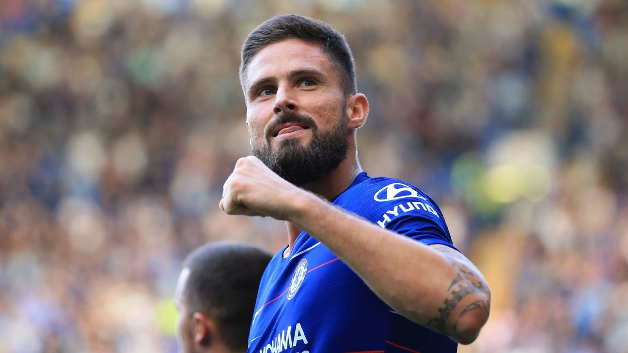 Chelsea's Olivier Giroud celebrates during a Premier League game against Cardiff City.