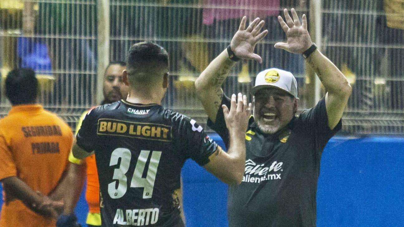 Jose Alberto Garcia & Diego Maradona