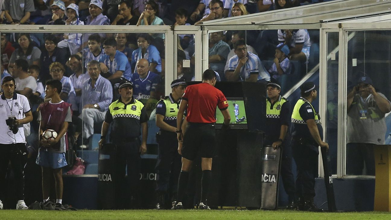 VAR enabled referee Wilmar Roldan to see a stamping and send off Atletico Tucuman's Gervasio Núnez.