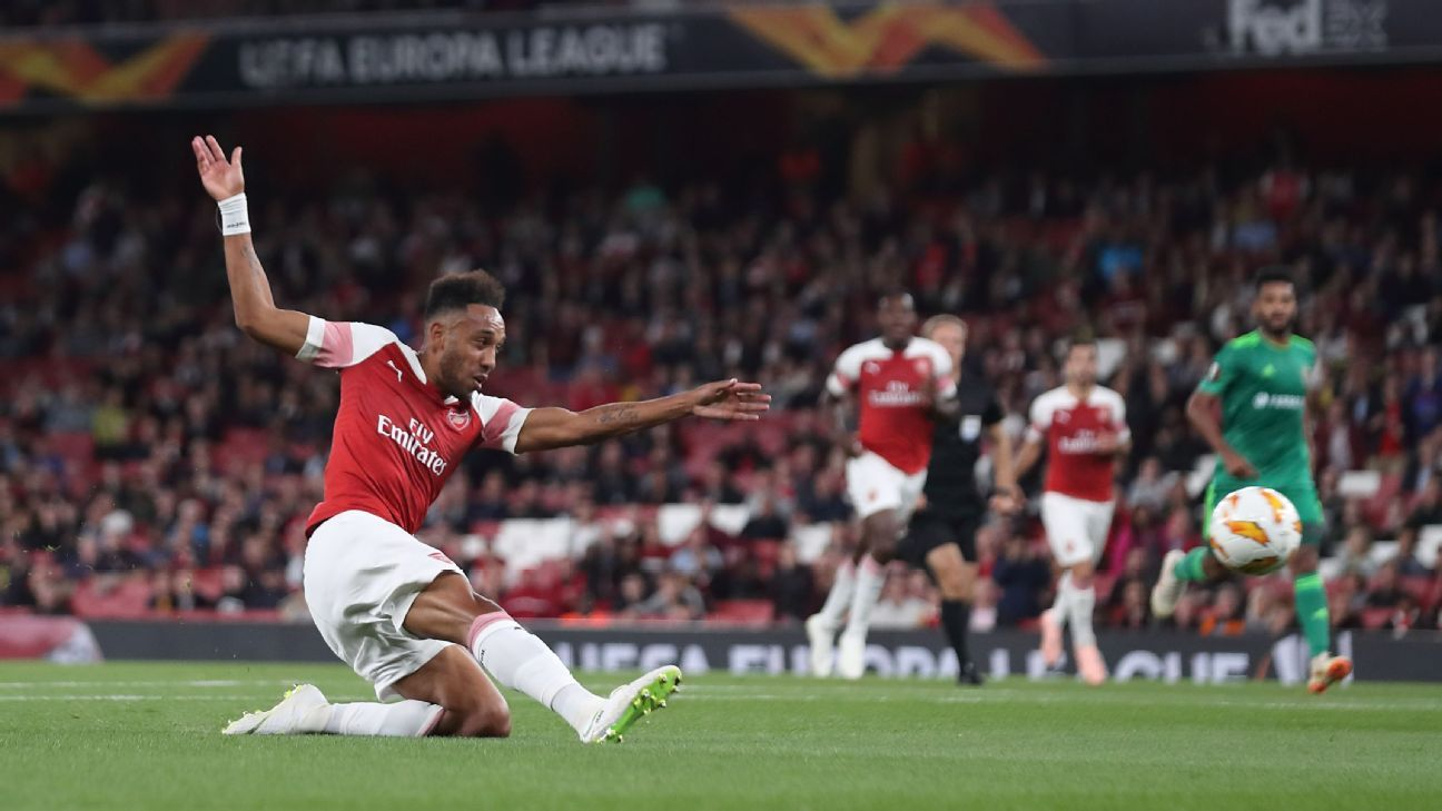 Pierre-Emerick Aubameyang scored twice for Arsenal in their 4-2 win against Vorskla Poltava.