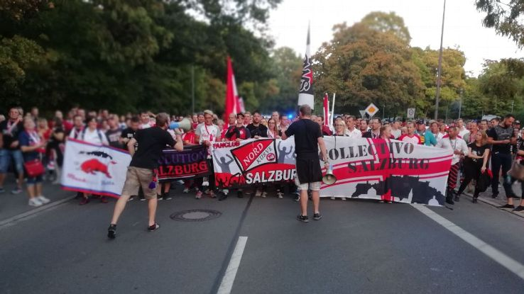 Roughly 850 RB Salzburg fans made the trip to Leipzig, with some 600 of them joining the pre-match march to the stadium.