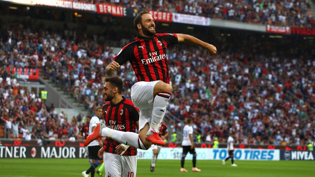Milan's Gonzalo Higuain, who left Juve to make room for Ronaldo, scored against Atalanta, but it wasn't enough as the match ended in a 2-2 draw.