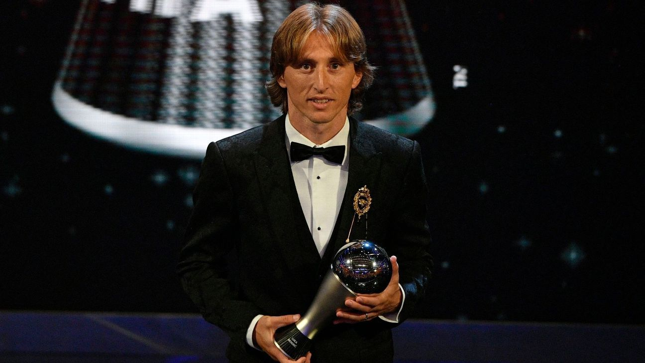 Luka Modric poses with his Best FIFA Men's Player award on Monday.