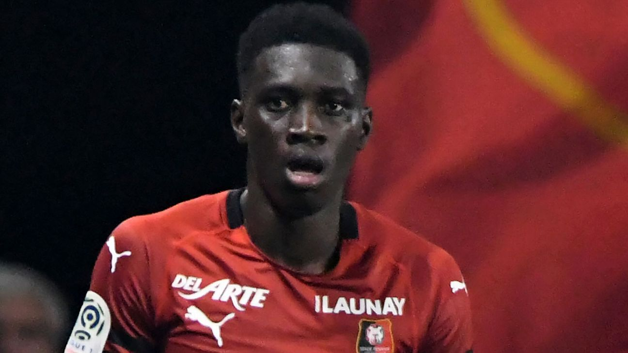 Ismaila Sarr celebrates after scoring for Rennes against Angers.