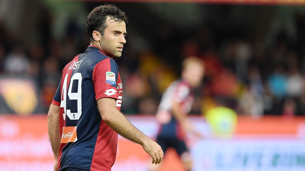 Giuseppe Rossi in action for Genoa against Benevento in May 2018.