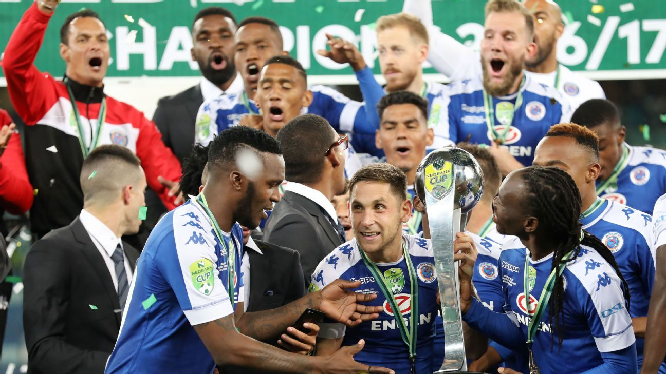 Supersport United's players celebrate their victory in the 2017 Nedbank Cup final