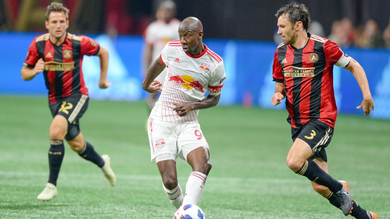 Bradley Wright-Phillips passes the ball during the New York Red Bulls' MLS match at Atlanta Untied.