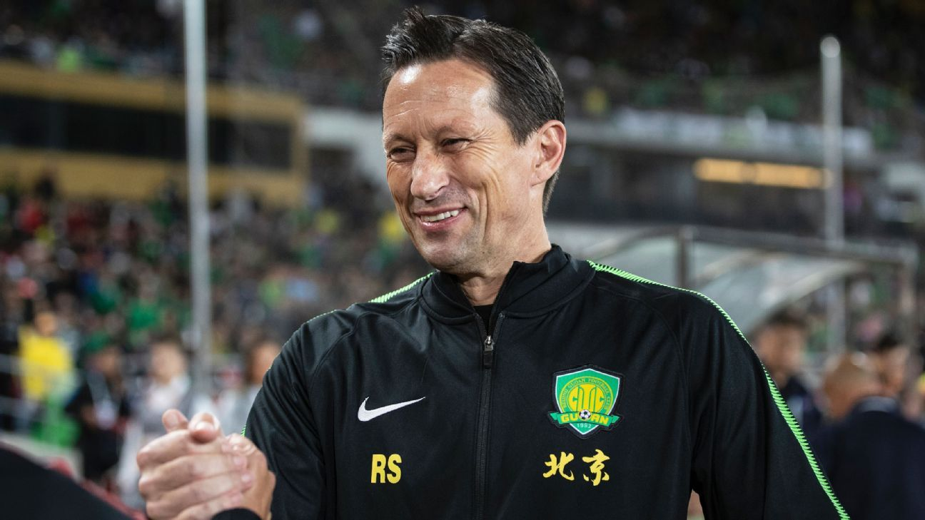 Roger Schmidt reacts during the Chinese Super League match between Beijing Guoan and Shanghai SIPG.