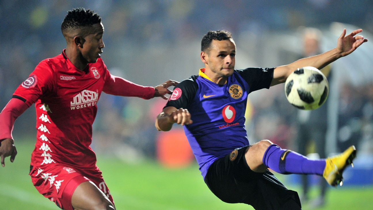 Gustavo Paez of Kaizer Chiefs challenged by Lesenya Ramoraka of Highlands Park