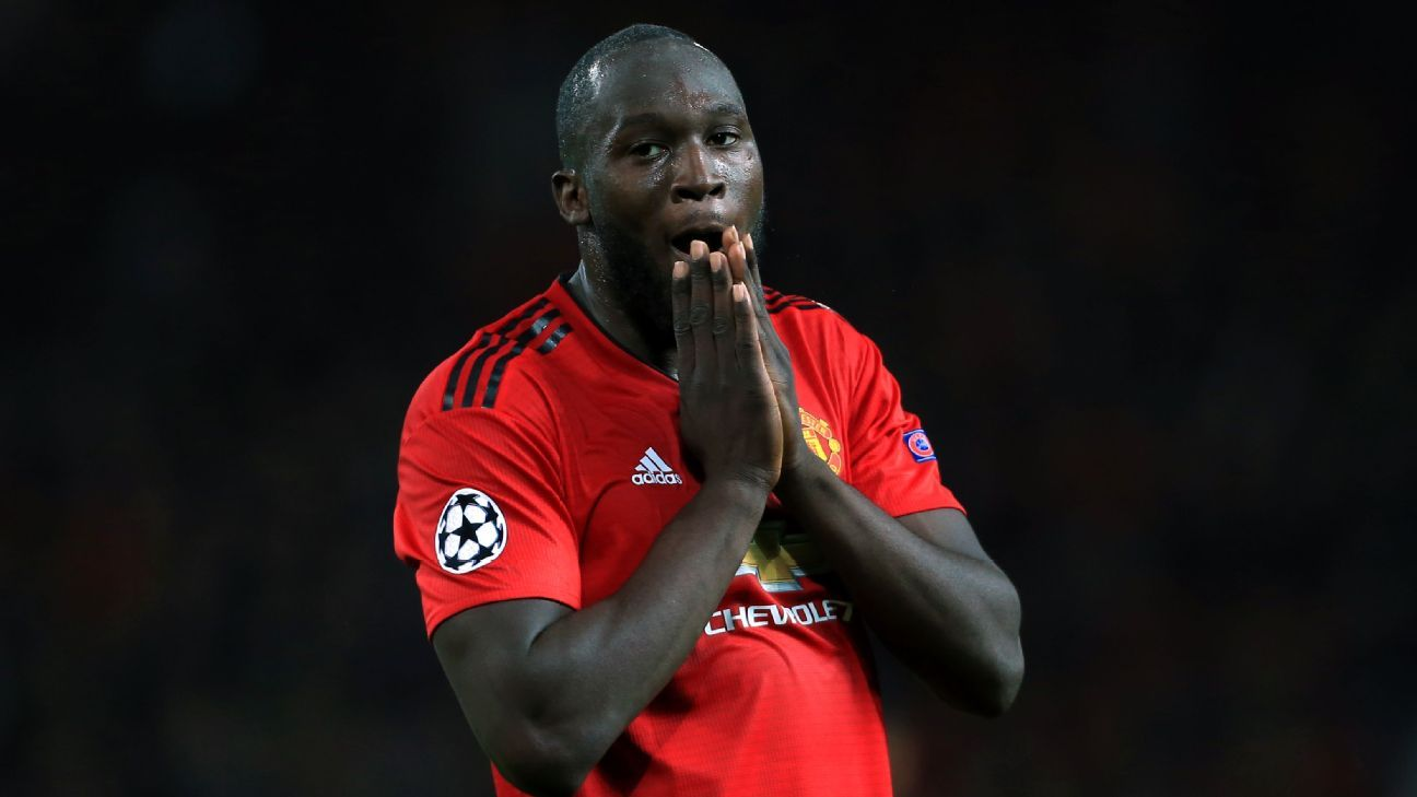 Romelu Lukaku reacts during Manchester United's Champions League draw with Valencia.