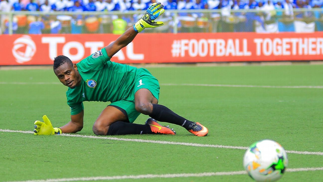 Theophilus Afelokhai of Enyimba in Confederation Cup action