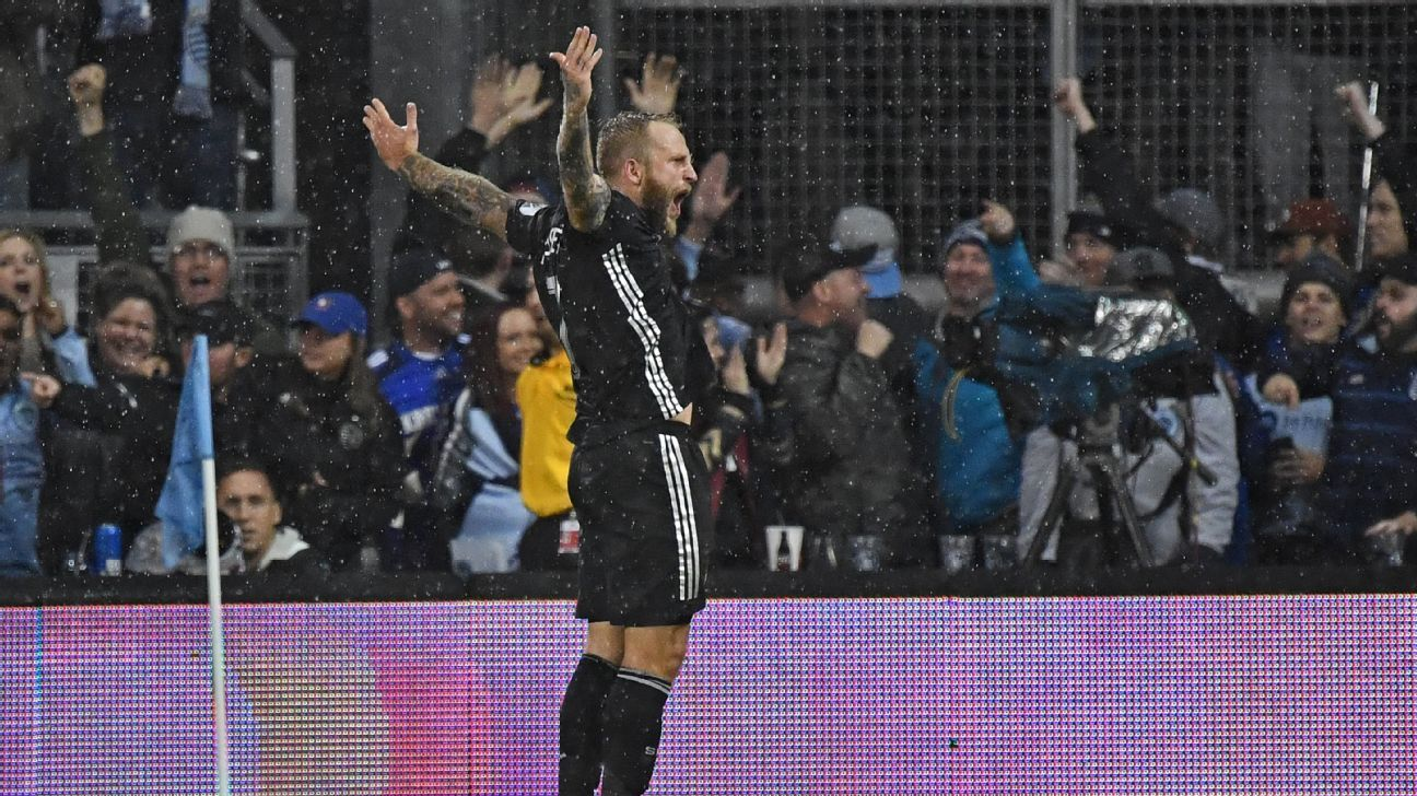 Johnny Russell dazzles late to earn Sporting Kansas City draw with LA Galaxy