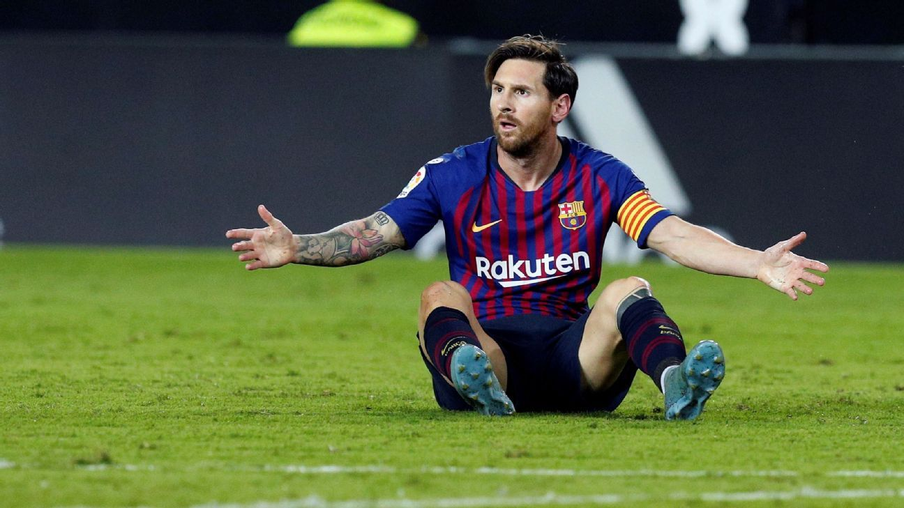Lionel Messi's goal wasn't enough to keep Barcelona from sharing the points at Valencia.