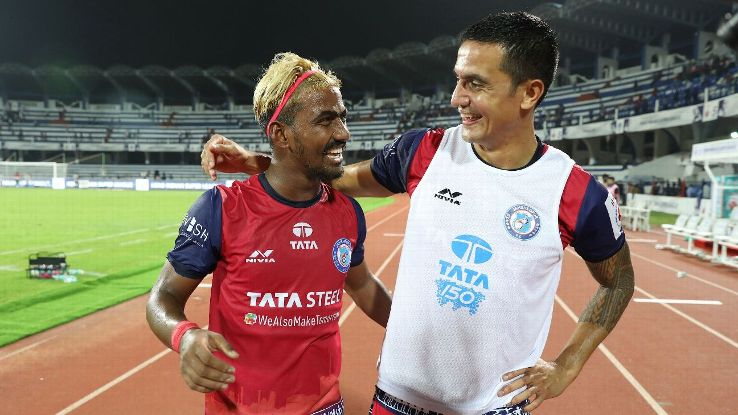 Gourav Mukhi, left, of Jamshedpur FC
