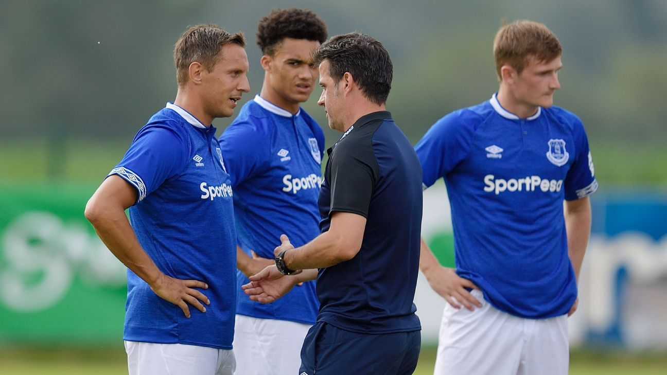Everton's Marco Silva of Everton with Phil Jagielka