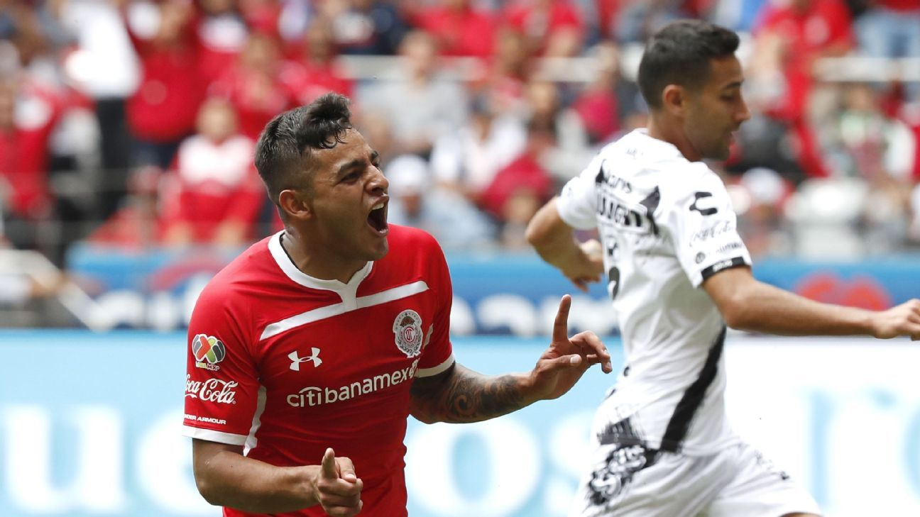 With a dearth of striker options for Mexico's national team, Toluca's Alexis Vega could have earned a call-up for the October friendlies.