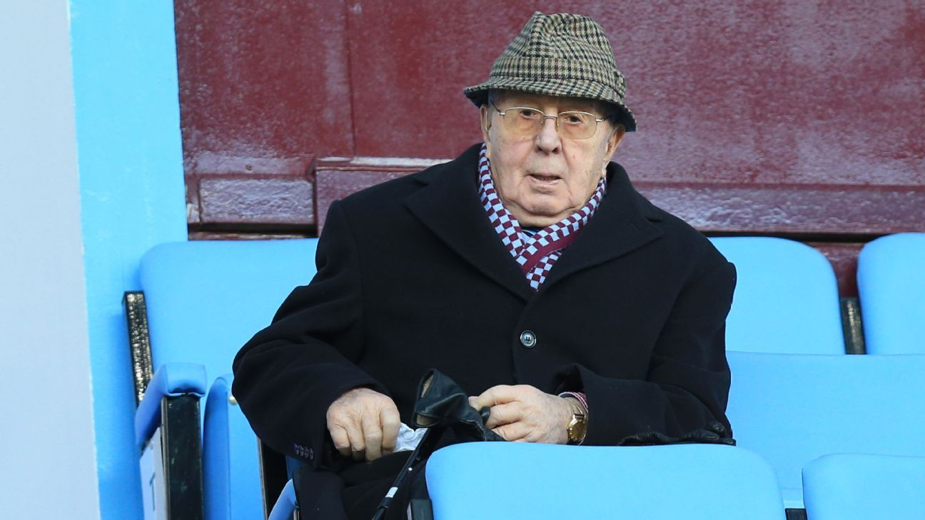 Former Aston Villa chairman and life president Sir Doug Ellis in 2015.
