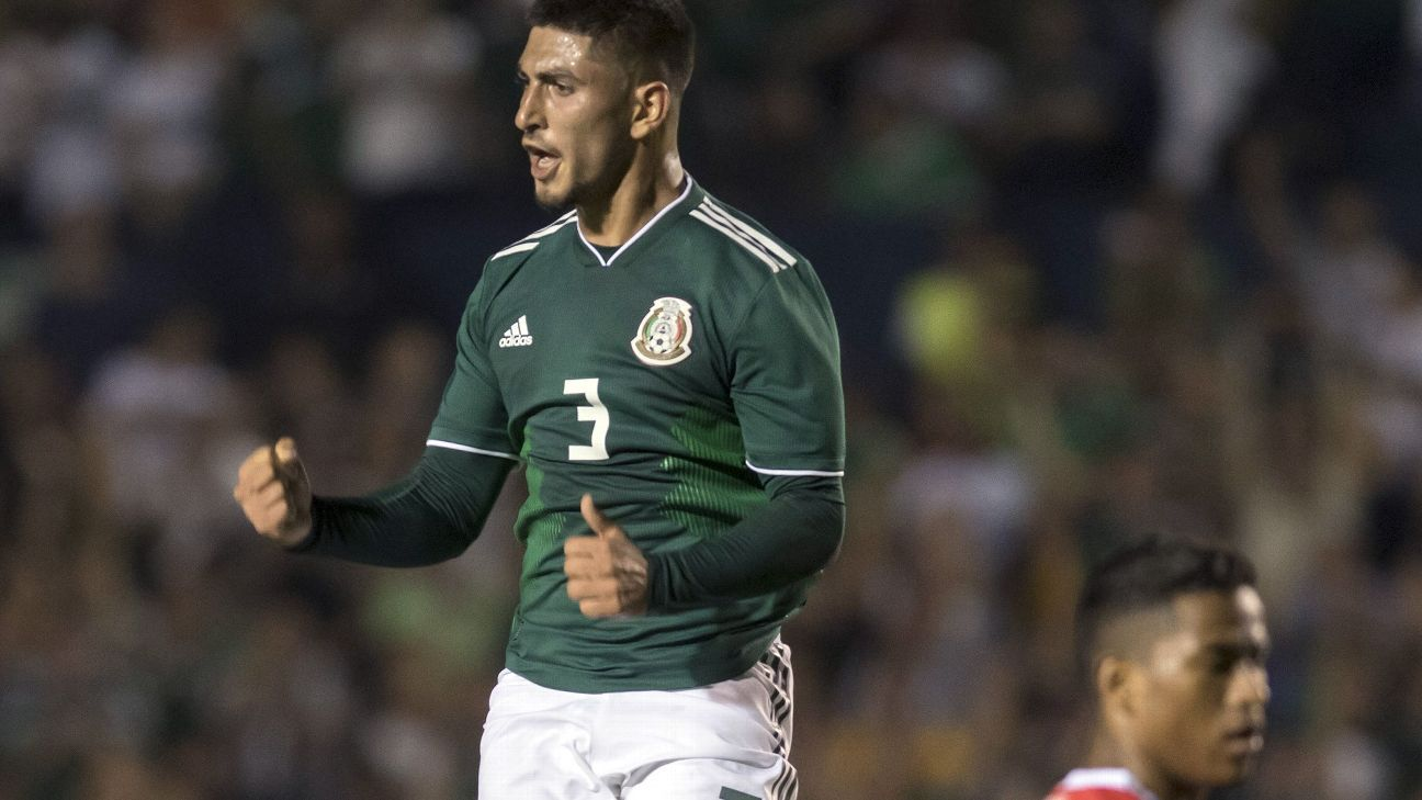 Victor Guzman celebrates after his first-half goal in Mexico's 3-2 win over Costa Rica on Thursday night.