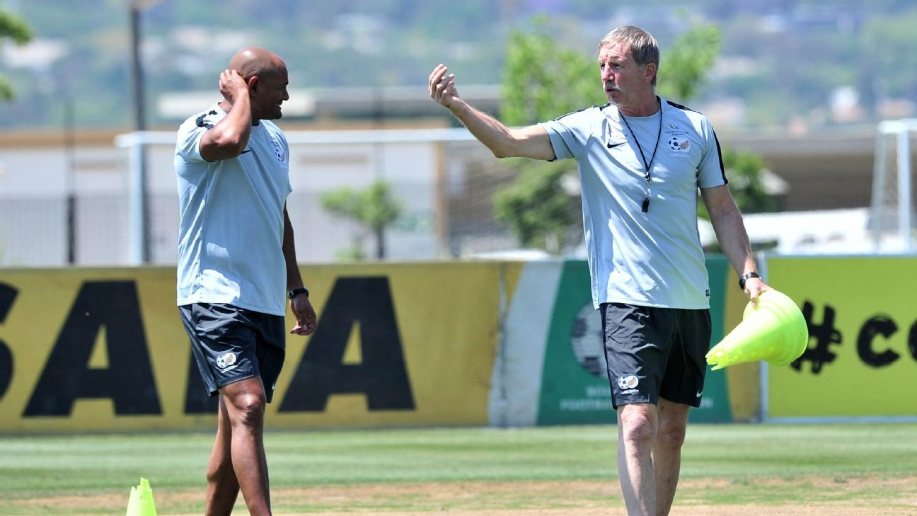 South Africa coach Stuart Baxter with Shaun Bartlett, a member of his technical staff