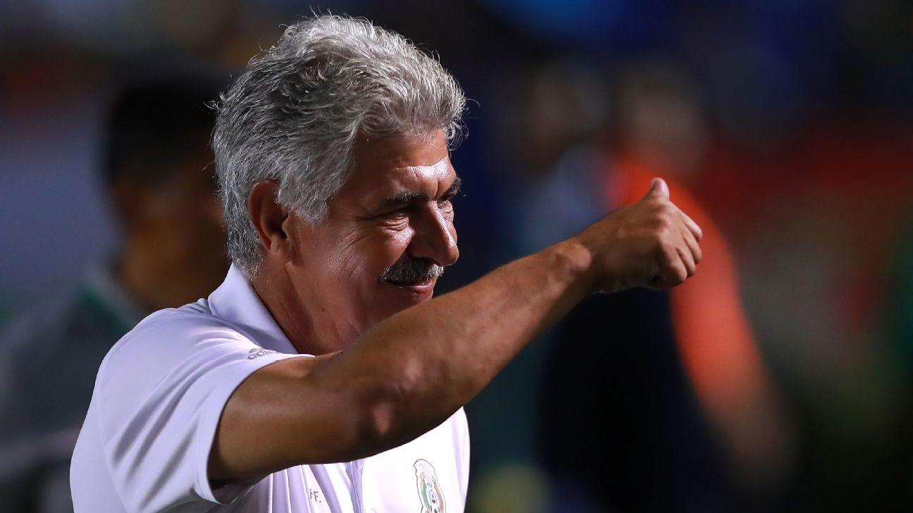 Mexico coach Ricardo Ferretti