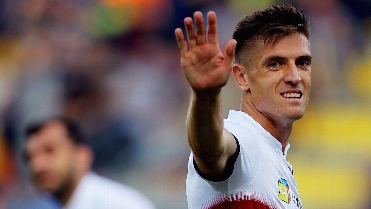 Genoa's in-form forward Krzysztof Piatek