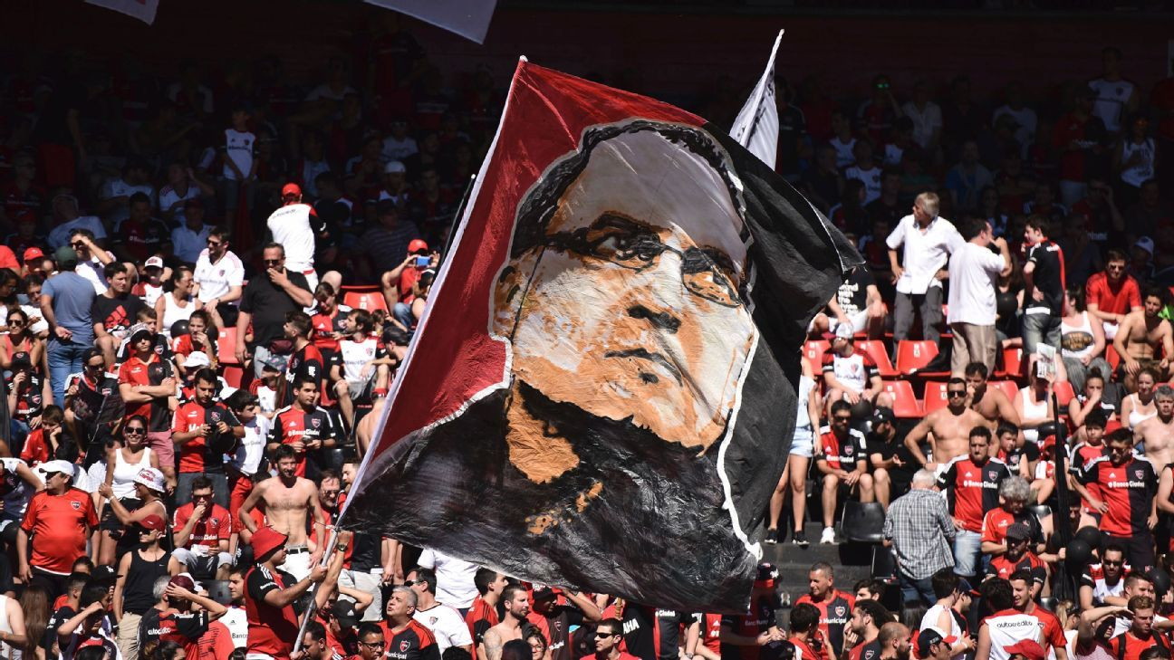 Newell's Old Boys fans still consider Marcelo Bielsa a legend