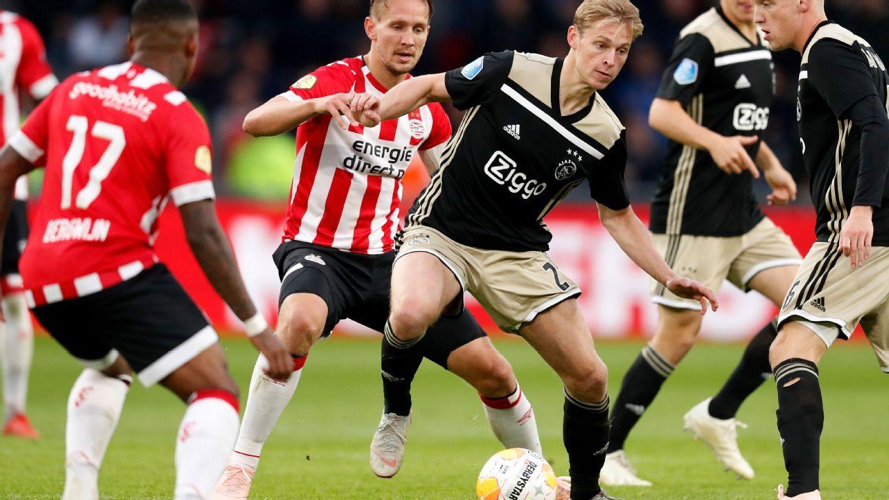 De Jong action vs PSV