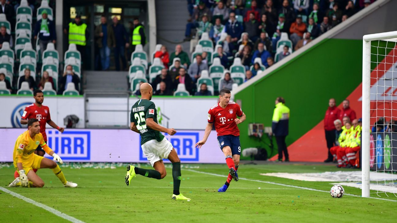 Robert Lewandowski scored Bayern Munich's scored goal against Wolfsburg after taking the ball around the goalkeeper