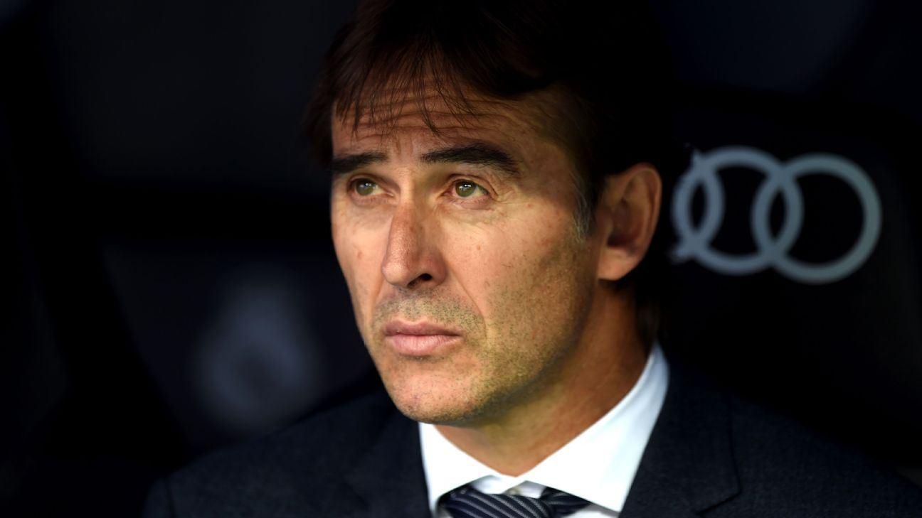 Julen Lopetegui looks on during Real Madrid's La Liga loss to Levante.