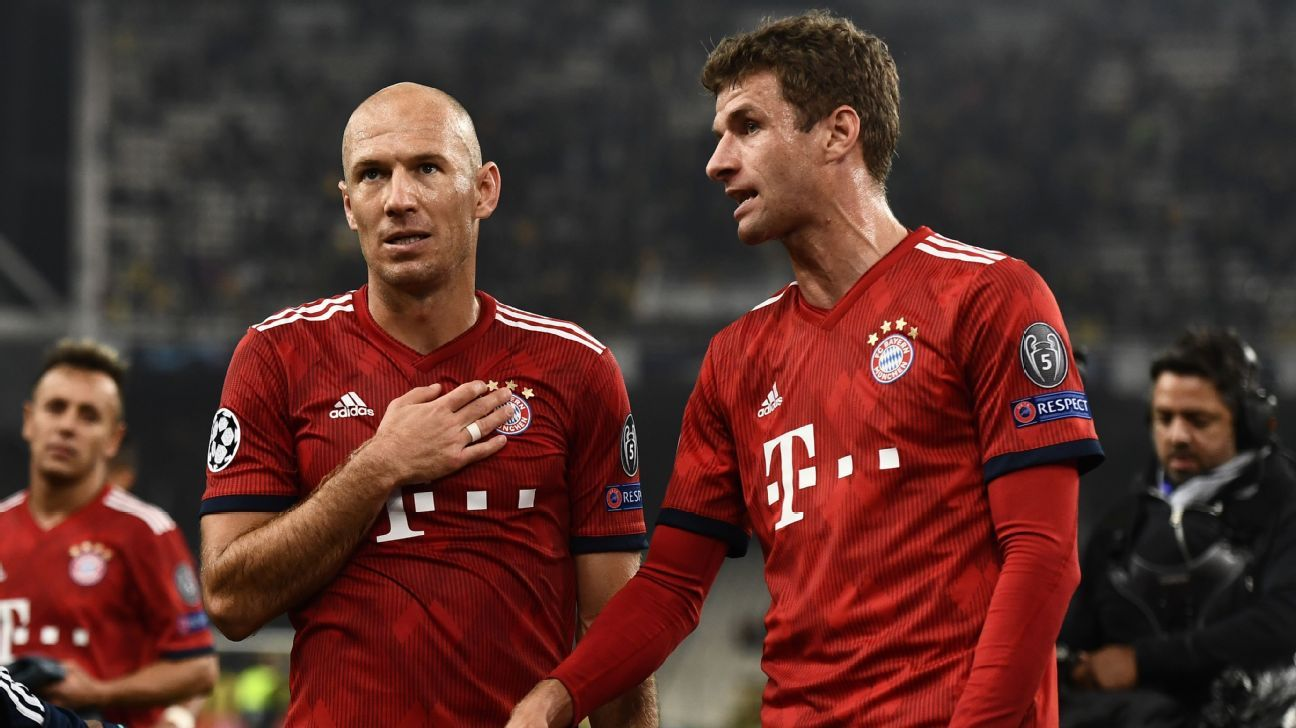 Arjen Robben (L) and Thomas Muller have plenty to ponder.