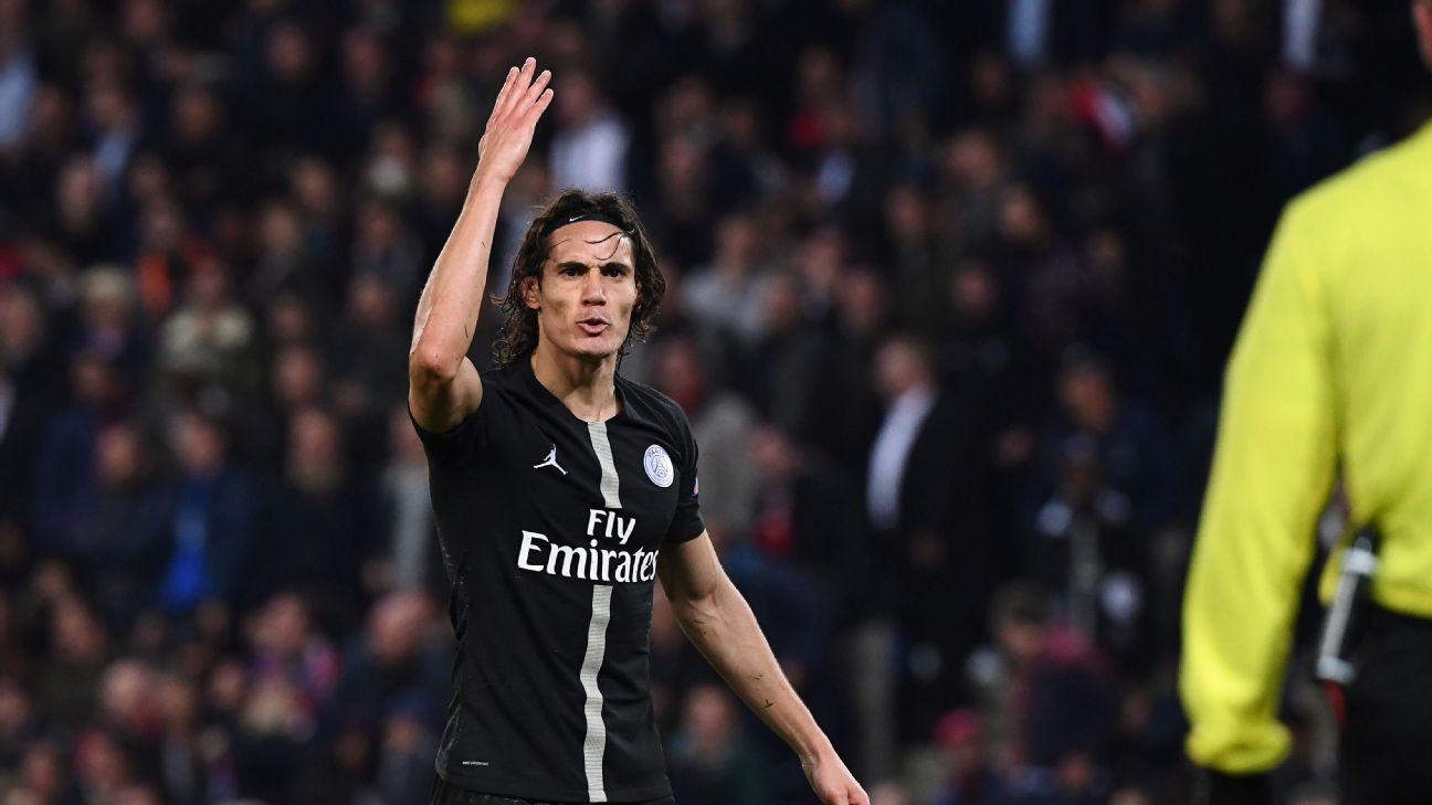 Edinson Cavani struggled against his old club Napoli, scuffing chances and failing to link up with his attacking teammates.