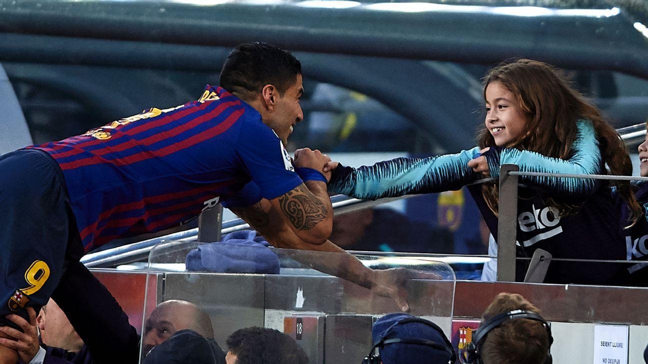 Luis Suarez and his daughter Delfina were 'goals' vs. Real Madrid.
