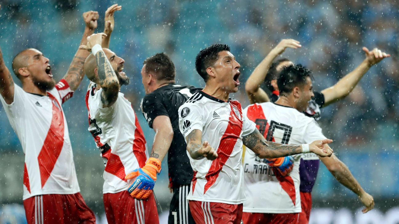 River Plate players celebrate advancing to the Copa Libertadores final.