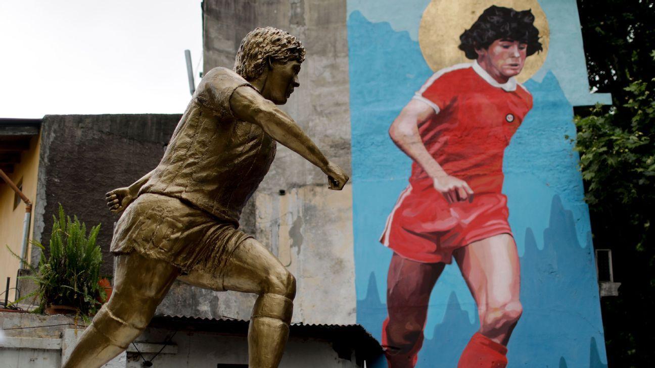Diego Maradona statue by artist Jorge Martinez