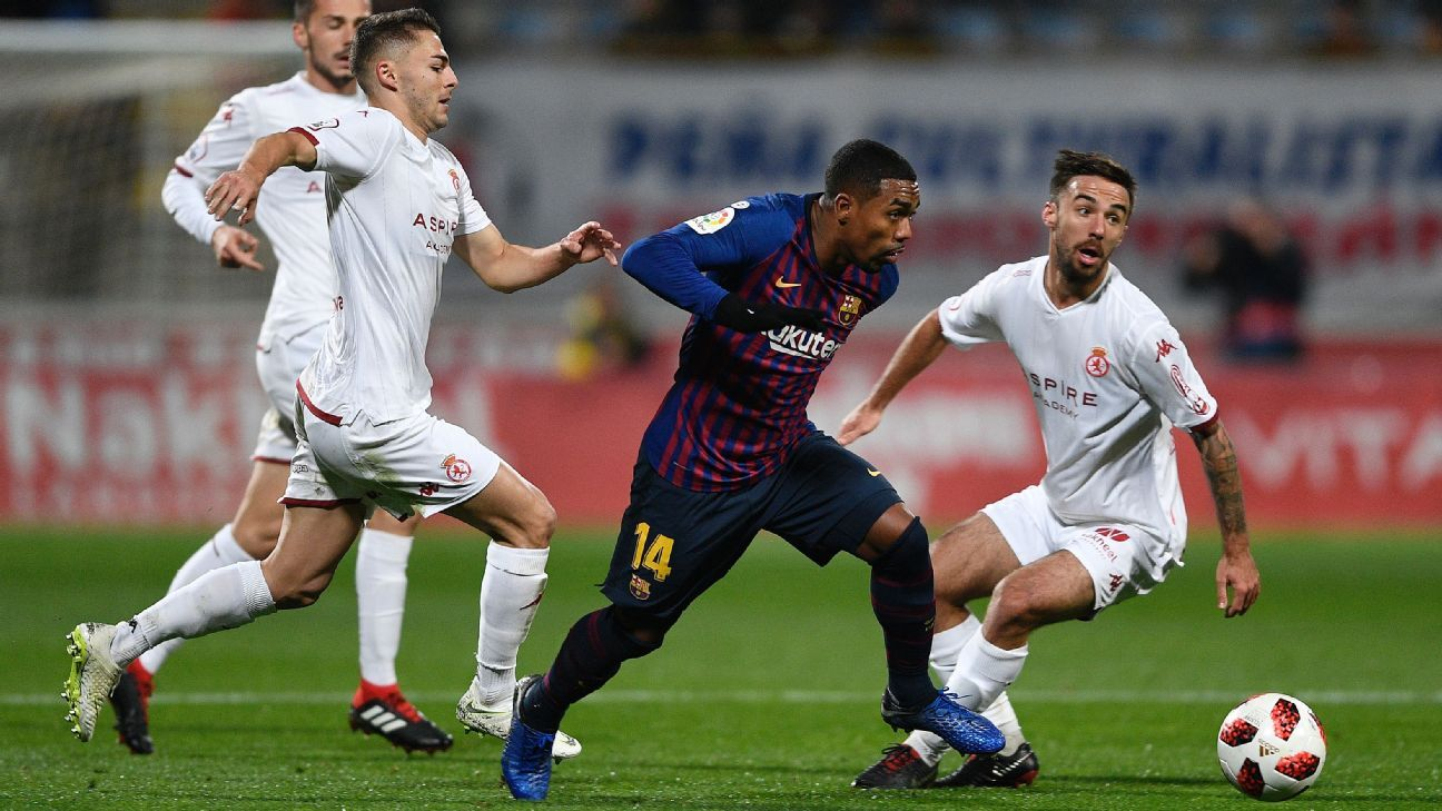 Malcom struggled to find form in his first competitive start with Barcelona.
