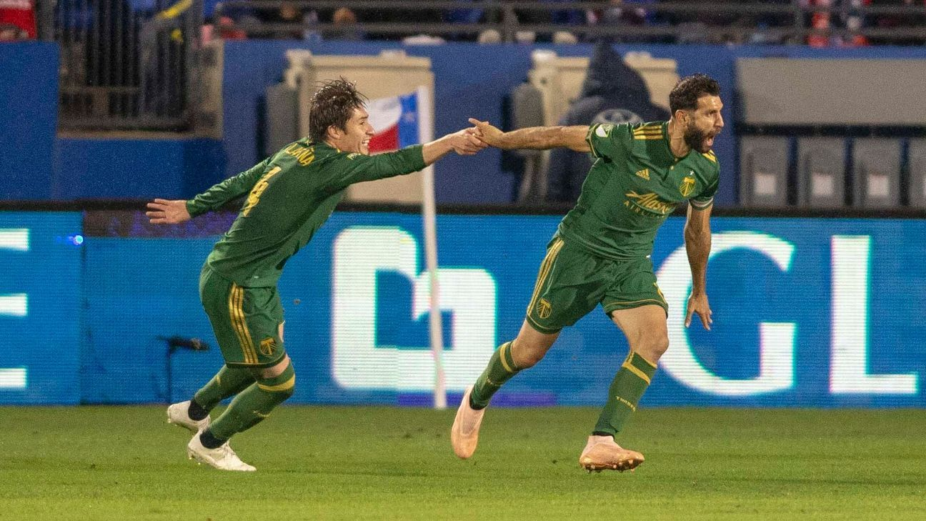 Diego Valeri helps 10-man Portland Timbers outlast FC Dallas in MLS playoffs