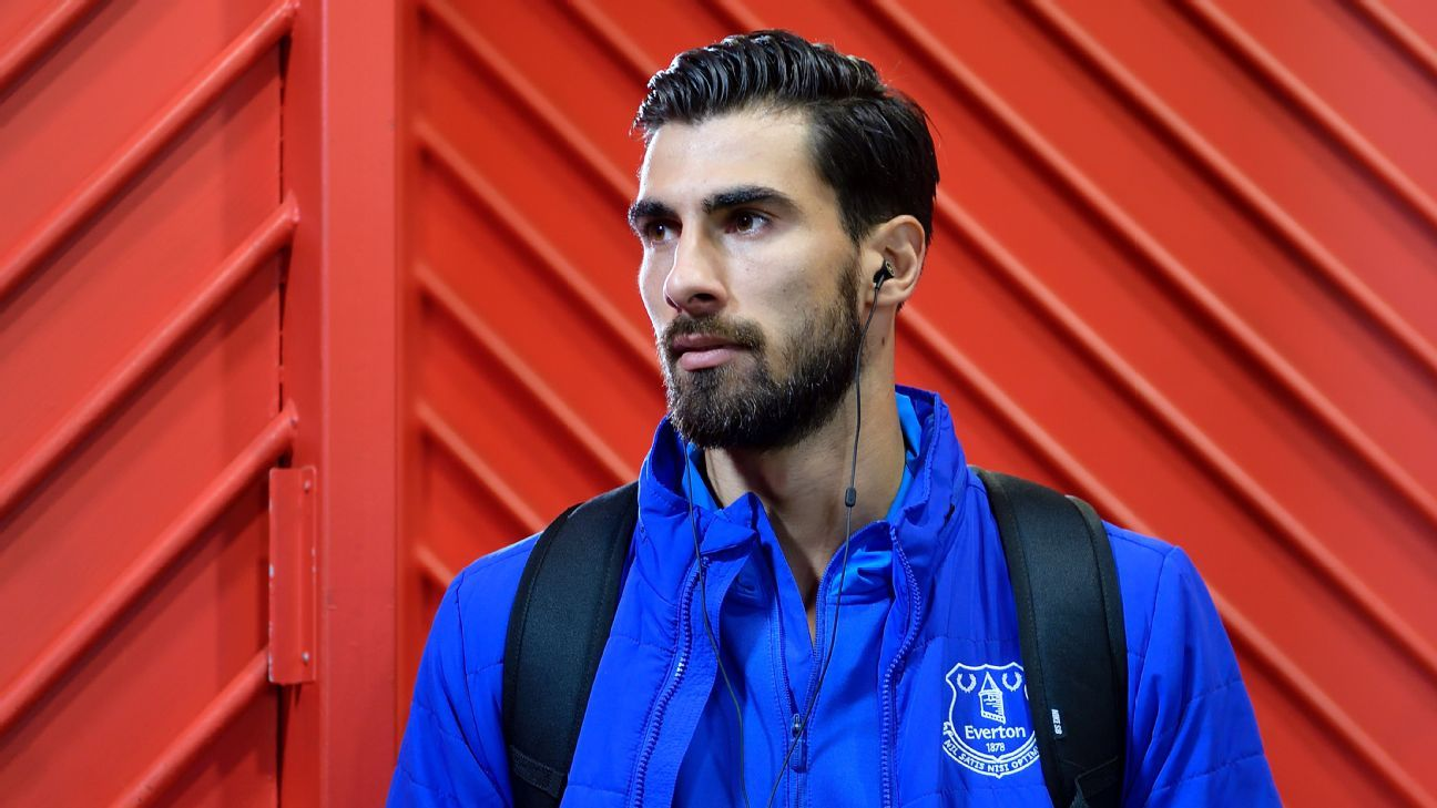 =Andre Gomes left Barcelona to join Everton on a season-long loan.