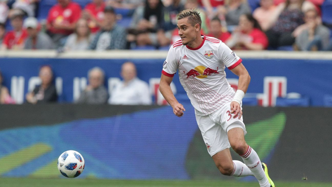 Aaron Long controls the ball during the New York Red Bulls' MLS match against FC Dallas.