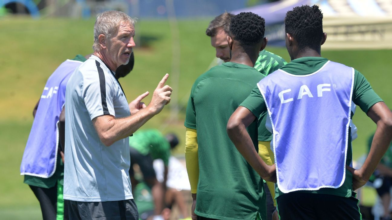 South Africa coach Stuart Baxter instructs his players during a training session