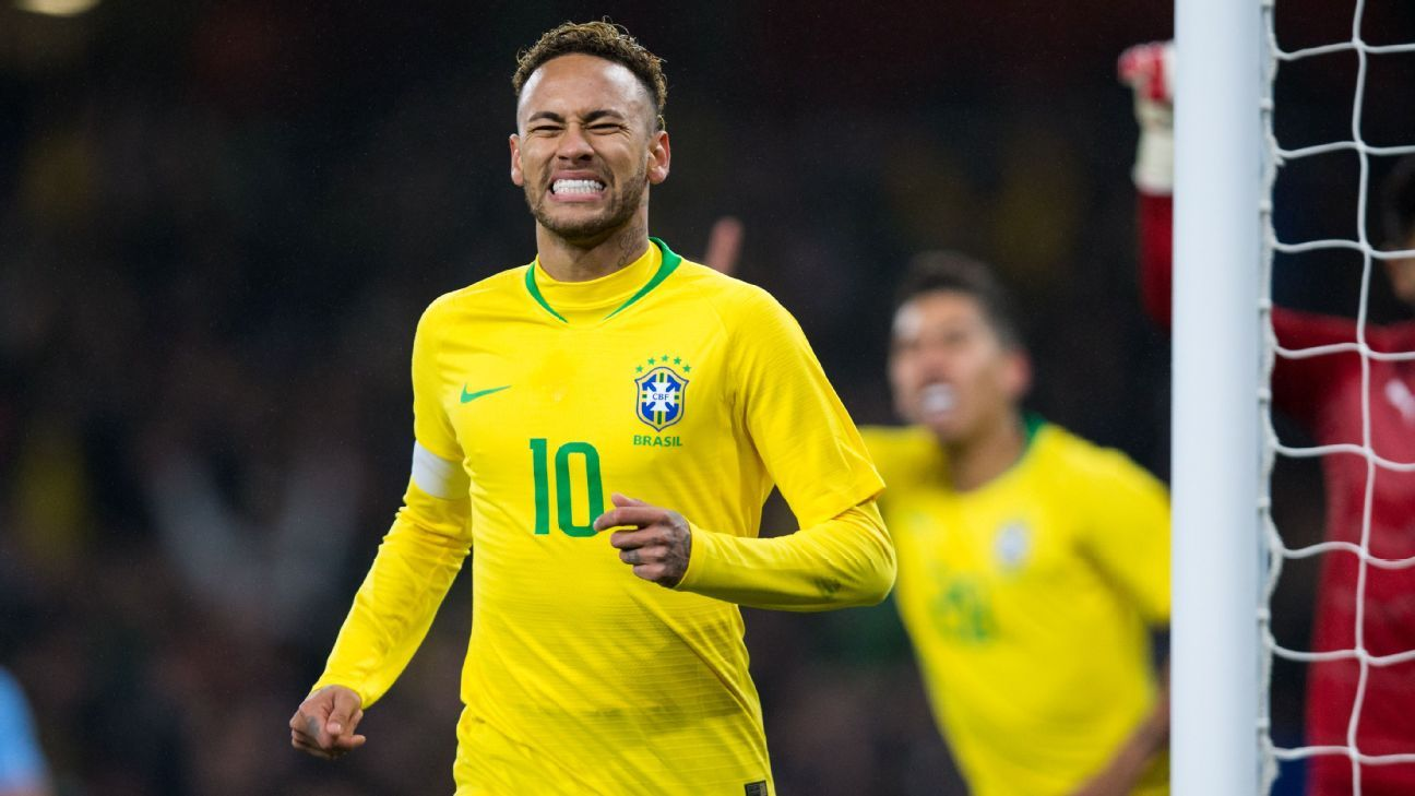 Neymar reacts during Brazil's friendly win over Uruguay.