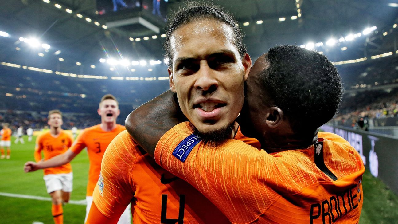 Netherlands celebrate Van Dijk's goal vs Germany