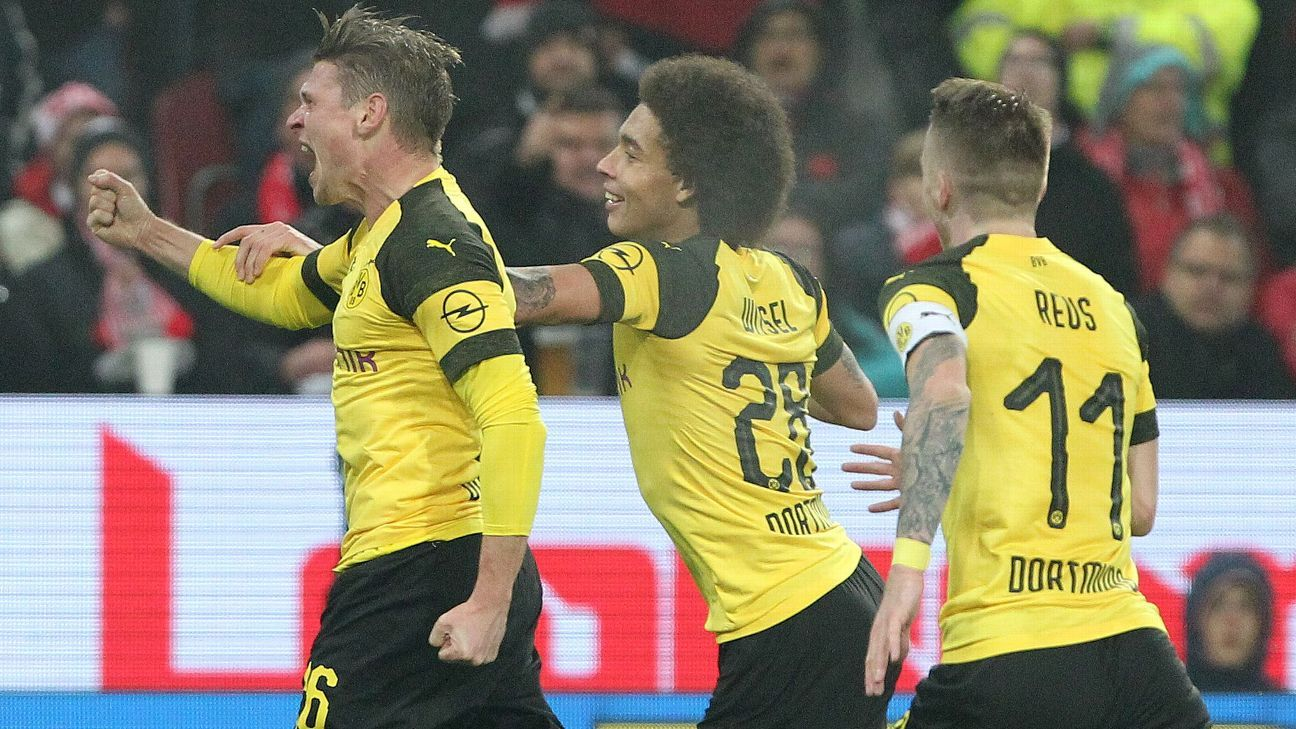Lucas Piszczek scored to put Dortmund 2-1 up at Mainz