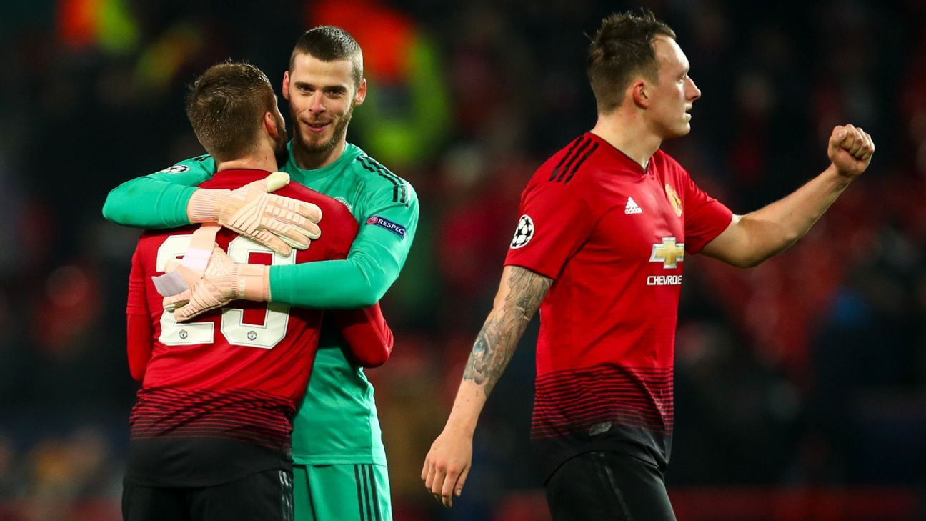 David De Gea, centre, celebrates with teammates after Manchester United beat Young Boys in the Champions League.