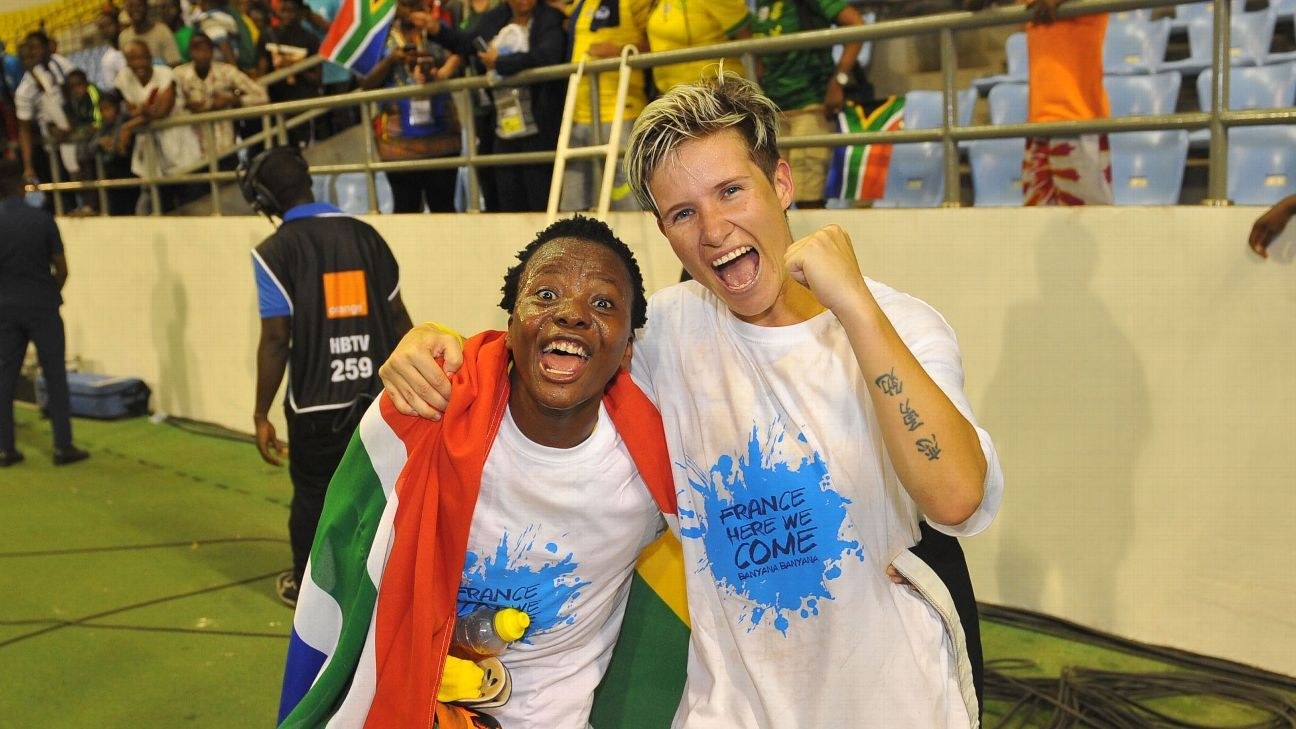 Houston Dash forward Thembi Kgatlana and former Dash defender Janine van Wyk celebrated their World Cup qualification by wearing custom t-shirts.