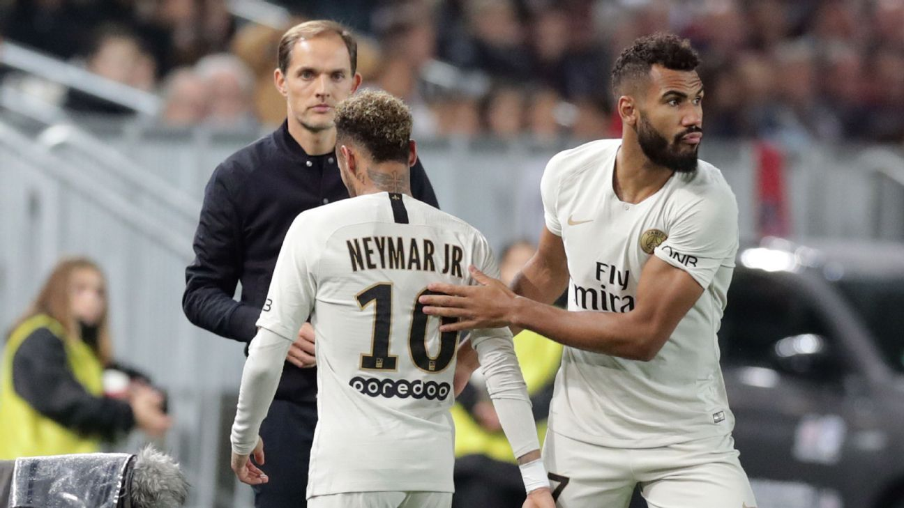 Neymar walks off after being substituted in the 57th minute for Eric Choupo-Moting in PSG's draw with Bordeaux.