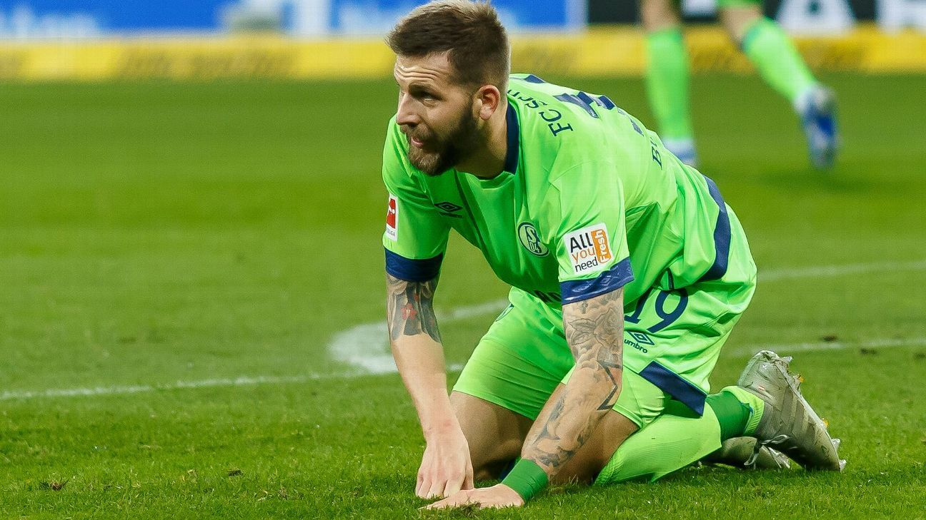 Schalke's season has been one of extreme disappointment as Domenico Tedesco's side are mired in 12th place. Yet they can halt rivals' Dortmund in their quest to win another Bundesliga title.